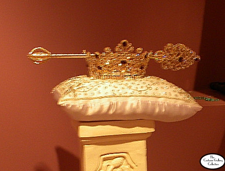Queen's Crown & Sceptor